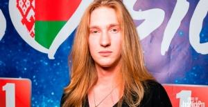Eurovision'da çıplak şarkıcı