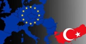 AB Türkiye için 'Vizesiz Avrupa' tarihini açıkladı