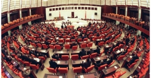 AKP yeni anayasanın tarihini belirledi