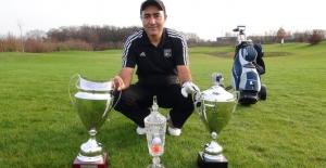 Bir Türk 48 Yaşında Golfte Profesyonel Oldu