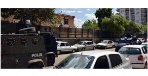 Diyarbakır'da askeri binaya PKK tarafından bomba atıldı