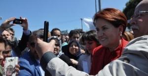 Meral Akşener Balıkesir'de 'Başbakan Meral' diye karşılandı