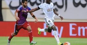 Moussa Sow, Trabzonspor maçı sonrasında attığı tweet Fenerbahçelilere umut verdi