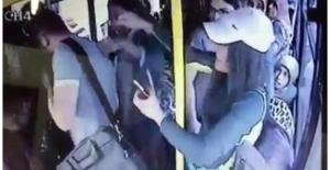 Otobüs tacizcisini kadınlar dövdü