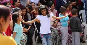 Edirne'de Romanlar Kakavayı kutlamak için hazır