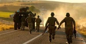 Mardin, Şırnak, Hakkari ve Kars'ta yaşanan çatışmalarda 17 PKK'lı öldürüldü.