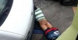 Yeni Zelanda'da asfaltla cinsel ilişkiye giren adam kameralara yansıdı