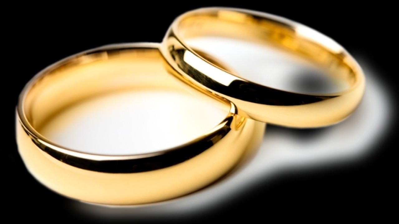 'Bekarım' deyip evlilik vaadiyle dolandırdı!