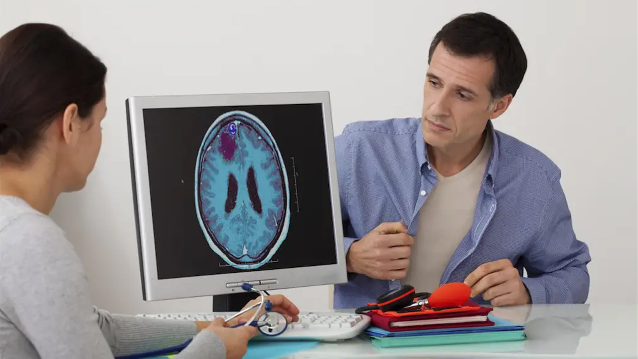 Beyin tümörünü küçülten kask geliştirildi