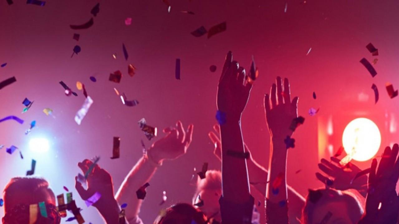 Corona virüse davetiye çıkaran partiler Zekeriyaköy'e taşındı