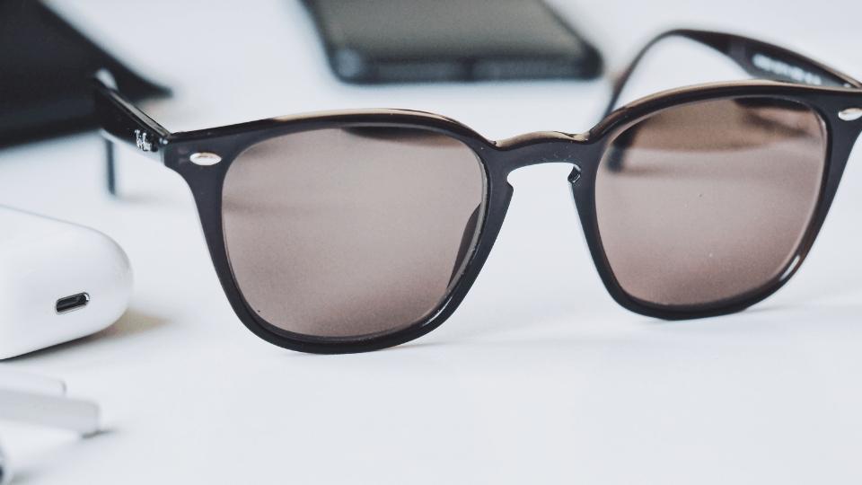 Facebook, Ray-Ban markalı akıllı gözlükler üretecek