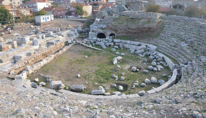 İznik'teki Roma Tiyatrosu 10 yıldır kapalı...