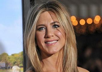 Jennifer Aniston: Ünlü olmayan biriyle aşk yaşamak istiyorum