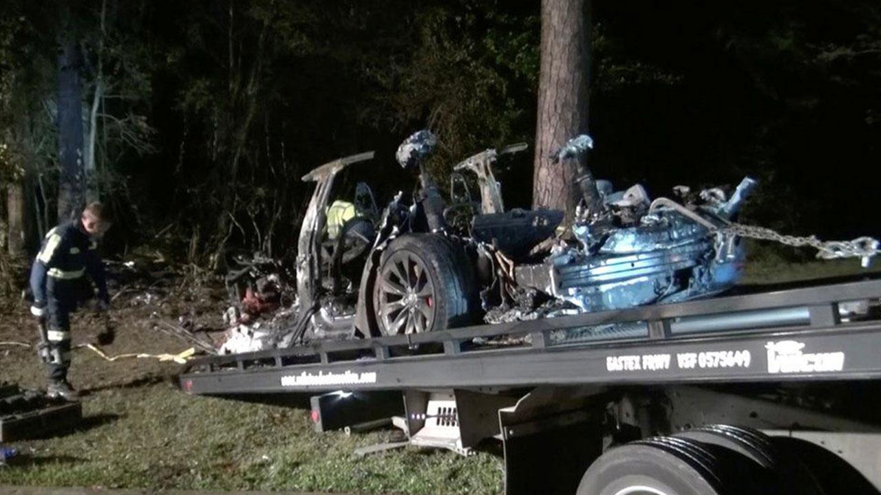 Ölümlü Tesla kazasının raporu ortaya çıktı Geçen ay iki kişinin yanarak hayatını kaybettiği Tesla kazasının ön raporu ortaya çıktı. Raporda otopilotun...