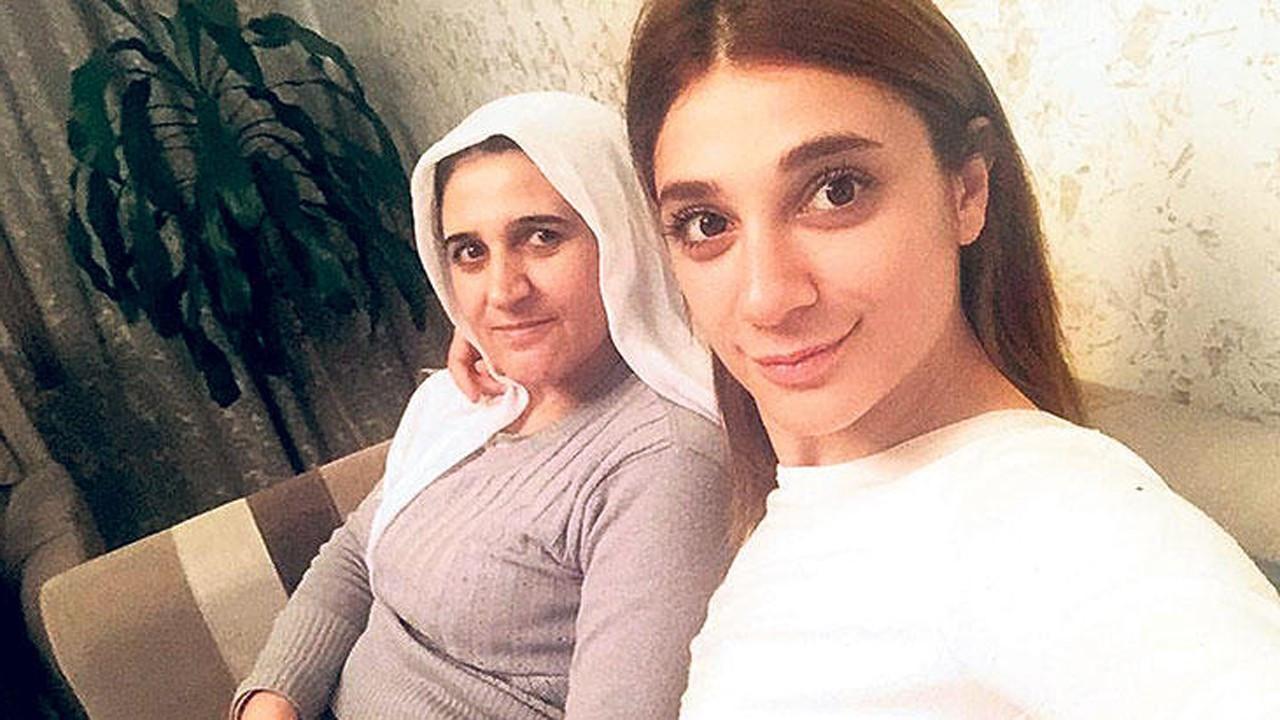 Pınar Gültekin'in acılı annesi gözyaşlarına boğuldu
