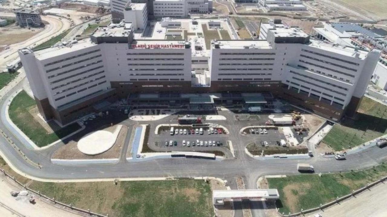 Şehir hastanelerinde yatak başı soygun!