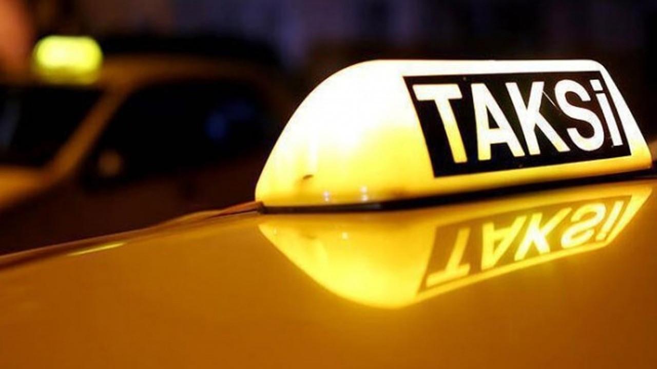 Taksi şoförü yolcusunu gasp etti!