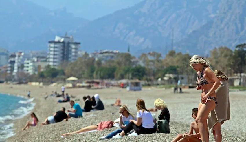 The Economist: Türkler eve kapandı, ülke yabancılara kaldı