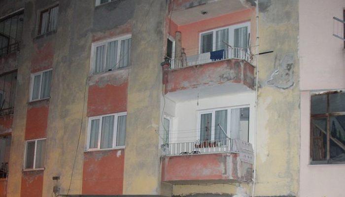 Trabzon 'da 4 katlı bina çatlaklar nedeniyle boşaltıldı! Binada bir tek o kaldı