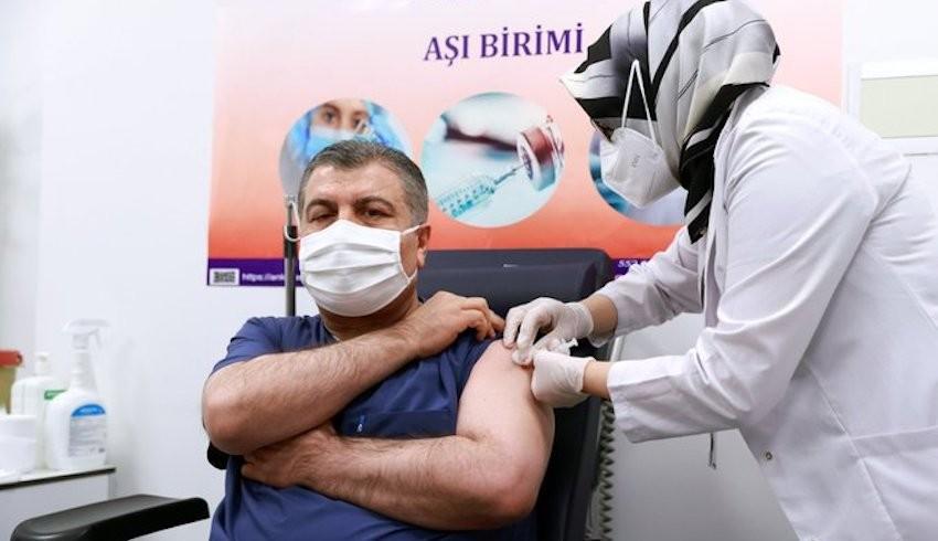 Türkiye'de iki doz Coviid aşısı yaptıranların sayısı 10 milyonu aştı