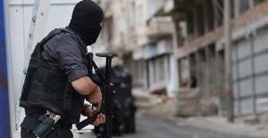 Adana'da polisle çatışan 1 PKK'lı öldürüldü