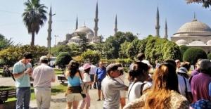 Dış politika turizmi kötü etkiledi, son 10 yılın en sert düşüşü yaşandı