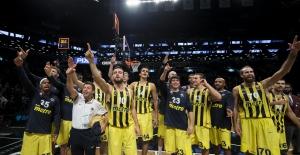 Fenerbahçe Madrid'e parkeyi dar etti