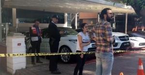 Florya'da bir galeride el bombalı saldırı düzenlendi
