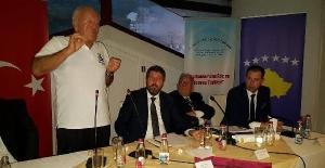 Kosova'da panelde konuşan Ali Şen: Arnavutları Kosova'ya Osmanlı getirdi