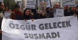Özgür Gelecek gazetesine polis baskını!! 10 gözaltı