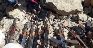 Van Başkale'de PKK'nın cephaneliği ele geçirildi