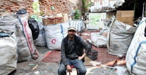 5 dil bilen Suriyeli göçmene iş teklifi yağıyor