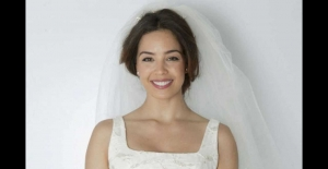 Azra Akın evleniyor!