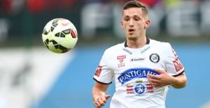 Beşiktaş Alman yıldız Donis Avdijaj'ı İstanbul'a getirdi