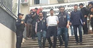 Can Dündar'a silahlı saldırının şüphelileri adliyeye sevk edildi
