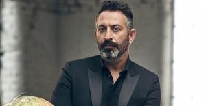 Cem Yılmaz, Sadri Alışık Tiyatro ve Sinema Oyuncu Ödülleri'nde kırdı geçirdi
