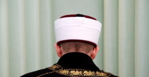 Denizli'de bir imam hırsızlıktan tutuklandı
