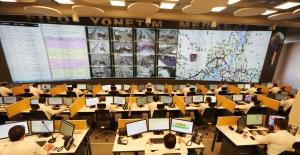 İETT'den Güvenli Ulaşım İçin Otobüs Filo Yönetim Merkezi