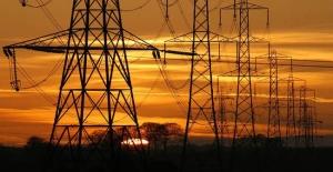 İstanbul'da 12 ilçenin bazı mahallelerine elektrik verilemeyecek