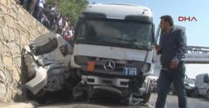 İstanbul'da TIR dehşeti: Ölü ve yaralılar var!