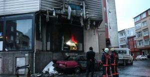 İstanbul Kağıthane'de bir otomobil kundaklandı
