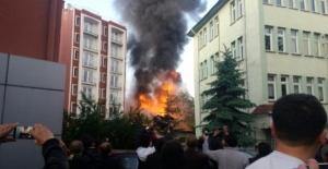 Kütahya'da 3 katlı binada patlama: 3 yaralı