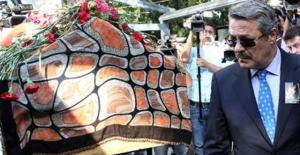 Oya Aydoğan'ın cenazesinde büyük ayıp!