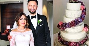 Tarkan'ın düğün pastası sosyal medyayı salladı!