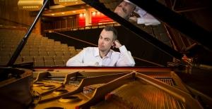 Tek Elli Piyanist Nicholas McCarthy 21 Mayıs'ta İstanbul'da Olacak