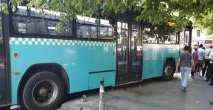 Beşiktaş'ta otobüs kaldırımdaki yaşlı adamı ezdi!