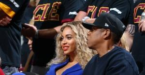 Beyonce ve Jay-Z, NBA final serisinin unutulmaz 6. maçını izleyenler arasındaydı