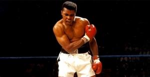 Efsane boksör Muhammed Ali hayatını kaybetti!