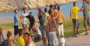 Esnaf turist kapmak için taşlı sopalı kavga etti!