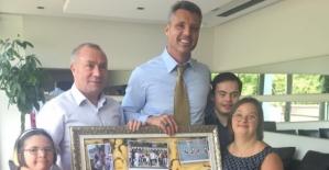 Federasyon Başkanı Birol Aydın ve özel sporcular, Sadettin Saran'ı ziyaret etti